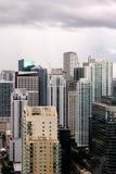 Miami-Gebäude nach einem tropischen Sturm lizenzfreie stockfotos