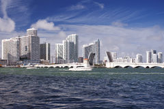 Miami horisont på en solig dag Royaltyfri Bild