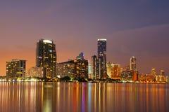 Miami horisont på skymning Arkivbilder