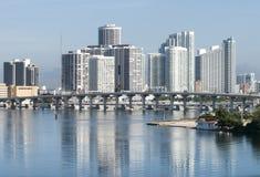 Miami i stadens centrum reflexioner Royaltyfri Bild