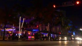 Miami-Licht-Clubpartei 4k Florida USA des Südstrandozean-Antriebs berühmte Nacht stock video footage