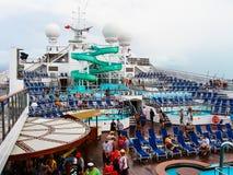 Miami, los E.E.U.U. - 5 de enero de 2014: Carnaval Glory Cruise Ship Imagen de archivo libre de regalías