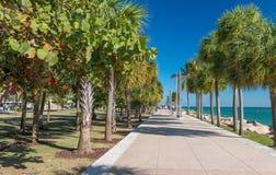 MIAMI, LUTY - 25, 2016: Południowy Pointe park na pięknym wint Obrazy Royalty Free