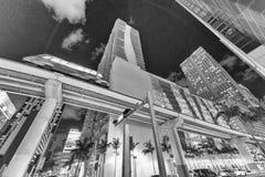 MIAMI - 27. MÄRZ 2018: Straßenansicht von im Stadtzentrum gelegenen Gebäuden und von mir Stockbilder