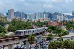 Miami-Metro-Schiene lizenzfreies stockbild
