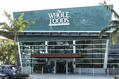 MIAMI NORTE, FL, EUA - 17 de junho de 2017: Supermercado do mercado de Whole Foods imagens de stock