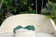 Miami plaża, FL, usa - Styczeń 10, 2014: Statuy holokausta pomnik Wielka Miami Żydowska federacja w Miami, usa obraz stock