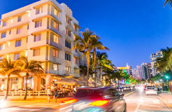 MIAMI plaża - LUTY 25, 2016: Miami plaży oceanu przejażdżka przy półmrokiem zdjęcie royalty free