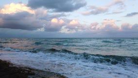 Miami plaży oceanu fale przy zmierzchem zbiory