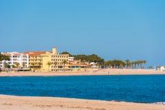 MIAMI PLATJA, SPAGNA - 24 APRILE 2017: Spiaggia di sabbia Copi lo spazio per testo Fotografia Stock Libera da Diritti