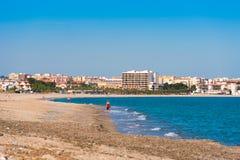 MIAMI PLATJA, SPAGNA - 24 APRILE 2017: Spiaggia di sabbia Copi lo spazio per testo Fotografie Stock
