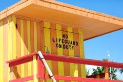 Miami ratownika plażowego typowego domu baywatch kolorowi południe wyrzucać na brzeg obrazy stock