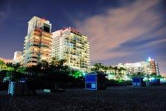 Miami-Südstrand nachts stockfotos