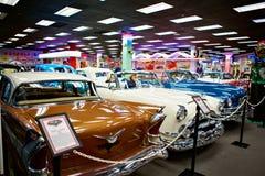 Miami ställer ut det auto museet en samling av tappning- och bioau Arkivfoton