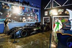 Miami ställer ut det auto museet en samling av tappning- och biobilar, cyklar och motorcyklar Arkivbild