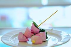 Miang西康省泰国食物,莲花叶子套开胃菜草本快餐  免版税库存图片