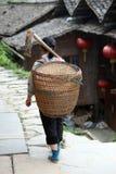 Miao countrywoman από τα πεζούλια ρυζιού Longji Στοκ Εικόνες