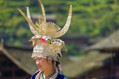 Miao Woman Traditional Horn Headdress skrudby royaltyfri bild