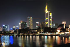 miasta Frankfurt nowożytna noc Fotografia Royalty Free