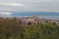Miasta i budowy żurawie Lausanne, Szwajcaria Zdjęcia Royalty Free