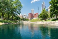 Miasta linia horyzontu w W centrum Omaha, Nebraska fotografia stock