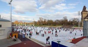 Miasta lodowisko Parkowy lodowy, Budapest, Węgry obraz royalty free