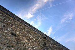 Miasta niebo i ściana Obraz Royalty Free