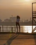 miasta seksowna zmierzchu kobieta obrazy stock