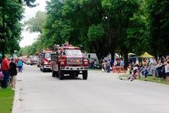 Miasteczka Memorial Day parady samochody strażaccy fotografia stock