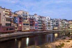 Miasteczko Girona przy półmrokiem, Hiszpania Fotografia Royalty Free