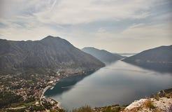 Miasteczko Risan Widok zatoka Kotor od obserwacja pokładu Montenegro Lato zdjęcie royalty free