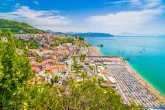 Miasteczko Vietri sul klacz, prowincja Salerno, Campania, Włochy Obraz Royalty Free