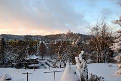 Miasteczko zakrywający śniegiem obraz royalty free