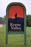Miasteczko znak dla Keene doliny, NY Zdjęcie Royalty Free