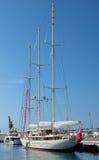 Miasto Ładny - Pływa statkiem jacht w Portowym De Ładny Zdjęcia Stock
