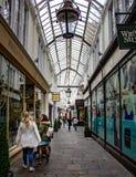 Miasto arkady centrum handlowego korytarz obraz royalty free