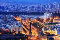 Miasto Barcelona przy Błękitną godziną zdjęcie royalty free