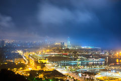 Miasto Barcelona przy nocą Fotografia Royalty Free