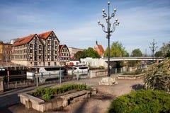 Miasto Bydgoski z świronami przy Brda rzeką obrazy stock