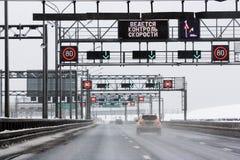 Miasto droga w zimie Zdjęcia Royalty Free