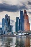 miasto dzień Kreml Moscow zewnętrznego Centrum biznes w Rosja Conduction transakcje finansowe moscow Rosji Zdjęcie Stock