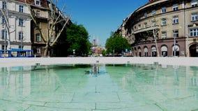 Miasto fontanna Z Tramwajowym omijaniem zbiory wideo