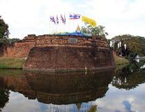 Miasto fosa w Chiang Mai i ściana Zdjęcie Stock