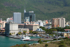 Miasto i jachtklub z parking samochodowym ludwika Mauritius port Zdjęcie Royalty Free