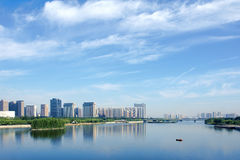 Miasto i rzeka Obrazy Royalty Free