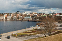 Miasto jeziorem Zdjęcia Stock