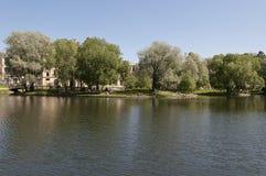 Miasto jezioro Obrazy Royalty Free