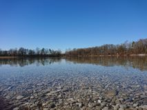 Miasto jezioro zdjęcia royalty free