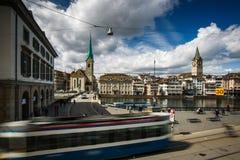 miasto kościelne pejzażu zegarowej komunalnych twarzy st Peter jest duże szwajcarzy wieże światowej Zurych obrazy royalty free