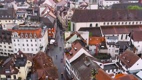 Miasto Konstanz Widok od wzrostów stary miasteczko Konstanz Wideo pokazuje starych domy, wąskie ulicy i a, zbiory wideo